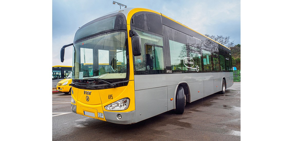 Electric bus fitted with Michelin tyres